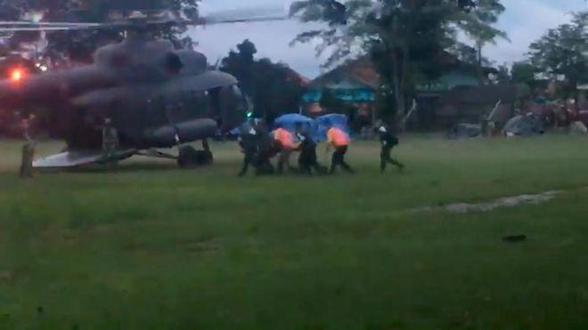В Таиланде из затопленной пещеры эвакуировали 8 детей