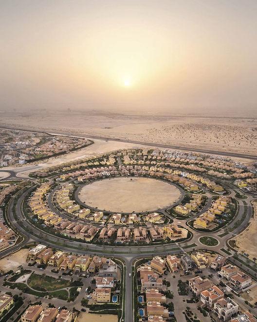 Пустыня медленно пожирает поселения и дороги Арабских Эмиратов
