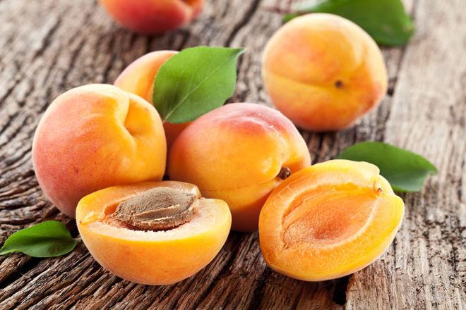 В Украине резко подорожали абрикосы