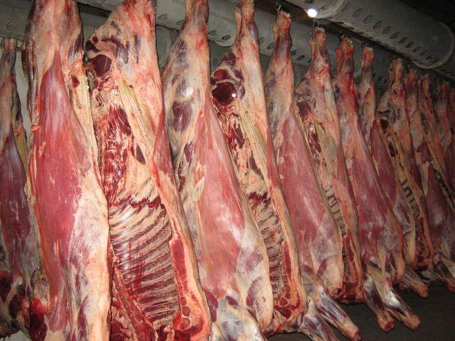 В Украину завозят свинину со всех уголков мира