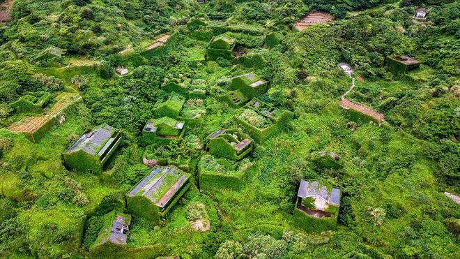 Природа превратила китайское село в призрак