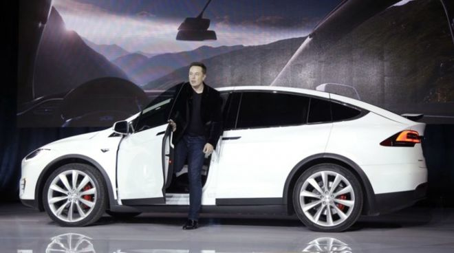 Tesla просит денег у партнеров