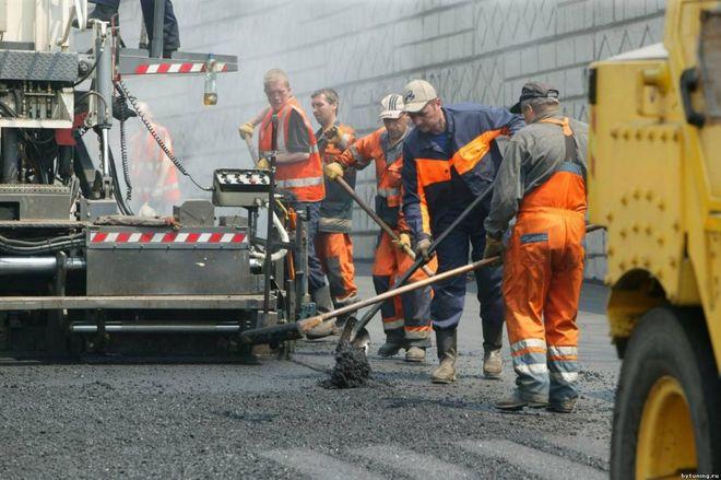 Омелян пообещал, что дороги будут строить по-новому