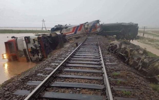В Монголии поезд сошел с рельсов