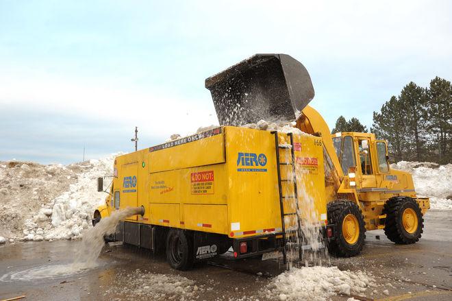 Сам не растает - Кличко придумал, что делать с киевским снегом