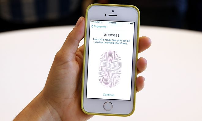 Пользователи смартфонов оказались под прицелом банков и компаний