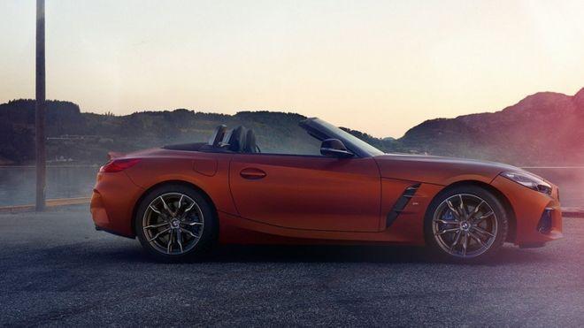BMW показала официальные фото родстера Z4