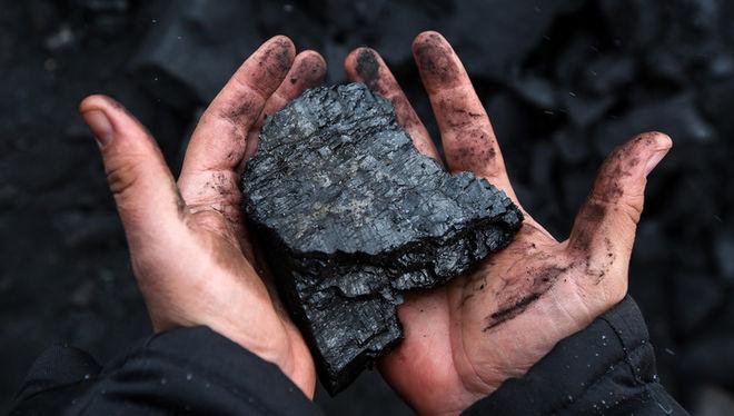 Ахметов заменит американский уголь прифронтовым