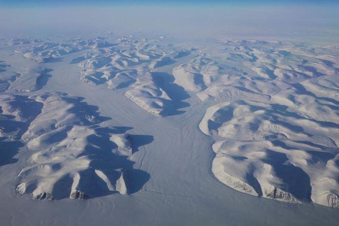 В Арктике разрушается самый старый и толстый лед на Земле