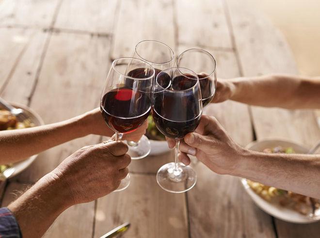 Италия стала главным поставщиком вина в Украину