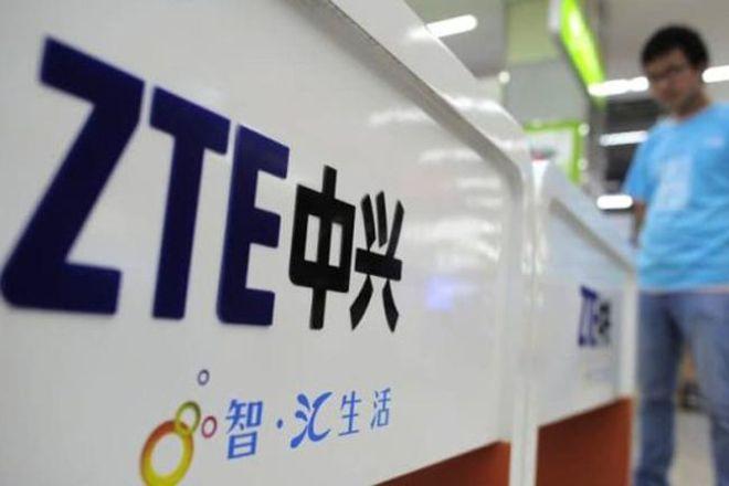 Китайская ZTE получила 1 млрд долларов убытка из-за санкций США