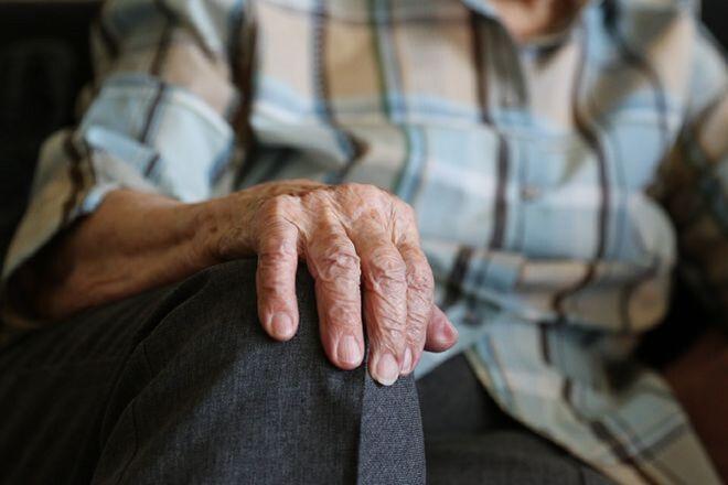 Женщины с 1 апреля будут выходить на пенсию позже: в ПФУ дали разъяснение