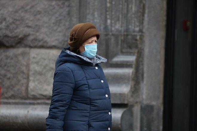 В Украине повысился пенсионный возраст для женщин - фото