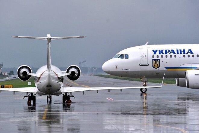 Авиатрафик в украинском небе упал в марте почти на 9%
