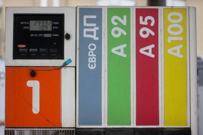 Большинство АЗС подняли цены: на сколько подорожал бензин за неделю - фото