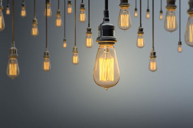 Платежки за свет могут вырасти до 5 грн/кВт·ч: к чему приведет решение Зеленского и СНБО - фото
